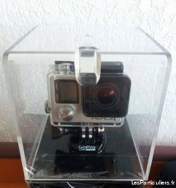 GoPro HERO4 silver + 64Go SD Extreme+ Accessories