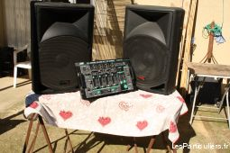 bafle + table de mixage high tech image son autres aude